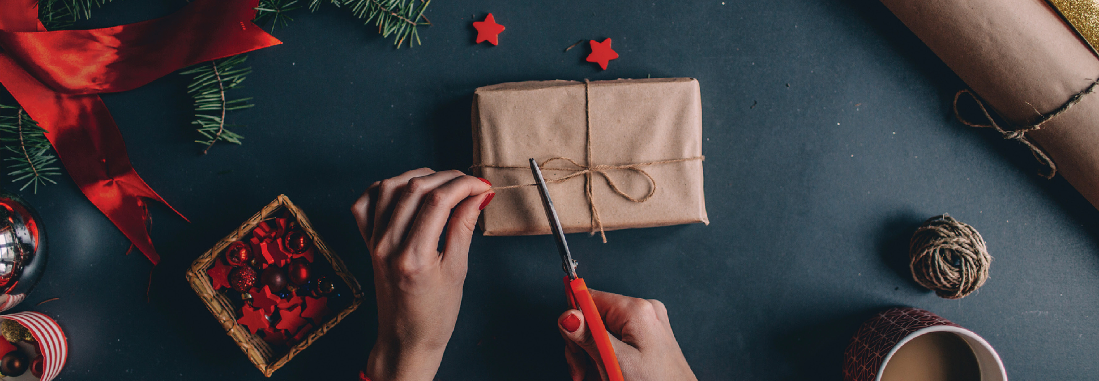 25 easy tips for saving money during the holidays