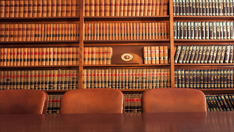 A Guide to Transferring Law Schools | SoFi