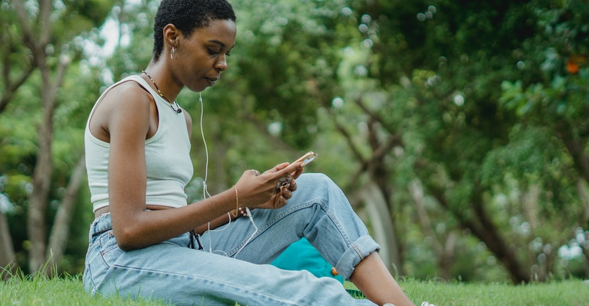 Comparing Spotify and Apple's Podcast Subscription Services