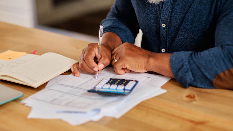 How Much Should Your Employees Have in Emergency Savings?