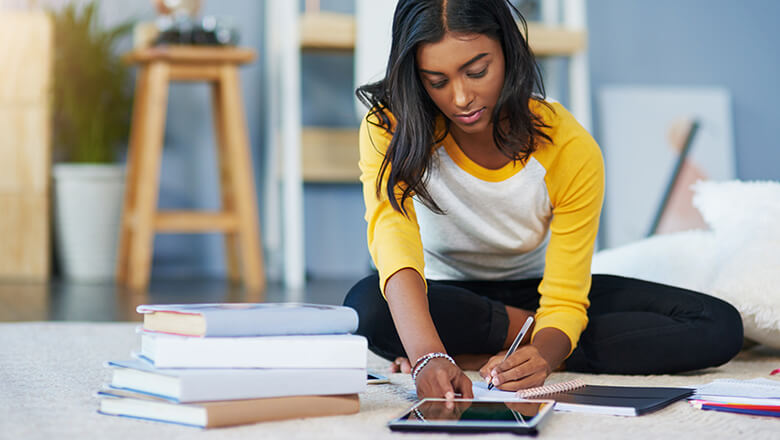 How to Qualify for a College Application Fee Waiver